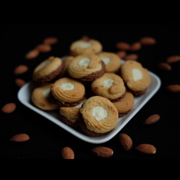 Cho. Ring Cookies